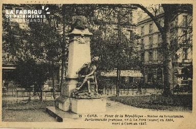 Cl 05 128 Caen-  Place de la république- Statue de Demolombe, Juriscon
