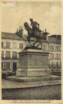Cl 06 015 Caen-place saint martin-statue de duguesclin