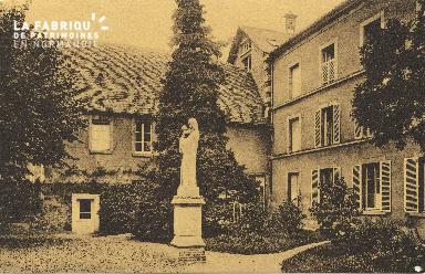 Cl 06 028 Caen-monastère des bénédictines du St sacrement-cour intérie