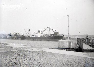 Granville cargo dans le port 3