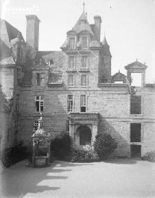 B001 Chateau de Kerjean