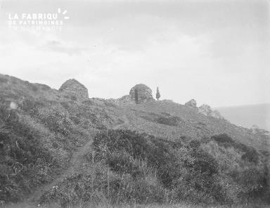 B002 1921 Habitations en pierres