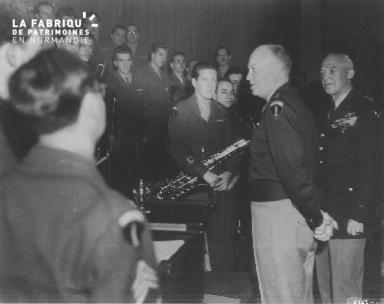 Général Eisenhower et Glenn Miller's Band Washington DC 13 Novembre 1945