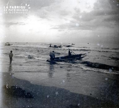 Afrique-Hommes allant en mer