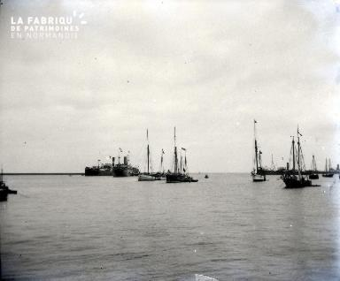 Bateaux dans un avant-port