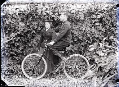Couple avec vélo