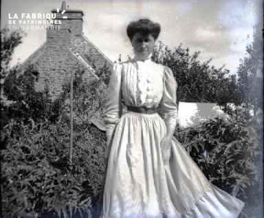 Femme à la campagne