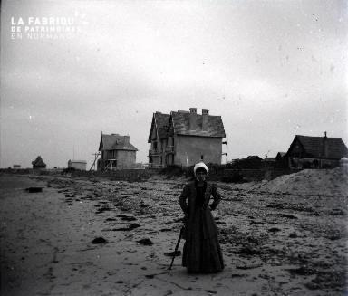 Femme sur une plage