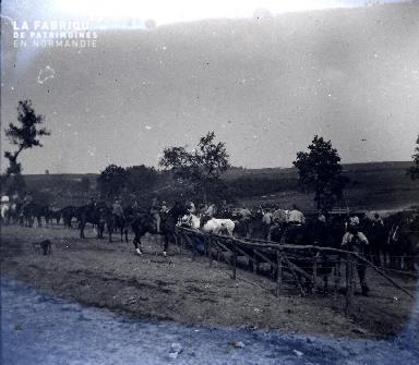 Fortin-Cavaliers 1917 - cavaliers et leurs chevaux