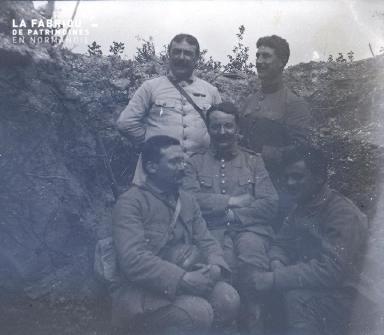 Fortin-Militaires dans une tranchée 1917