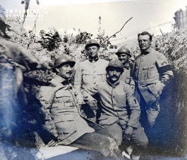 Fortin-Militaires dans une tranchée5 1917