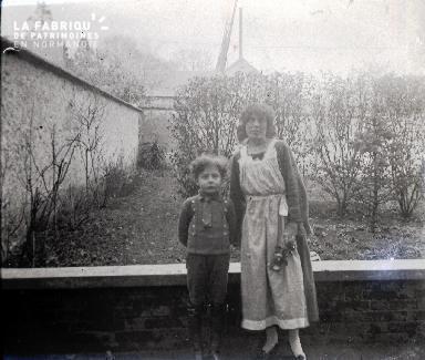 Mère et son jeune fils