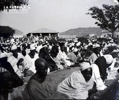 Rassemblement d'habitants en Afrique