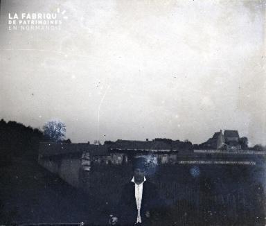 Sur la Route de la Loire-Madame Fortin Octobre 1915