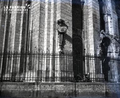 Cathédrale de Chartres - l'ange au cadran