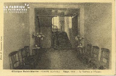 Cl 06 063 Caen clinique Saint Martin-le vestibule et l'escalier