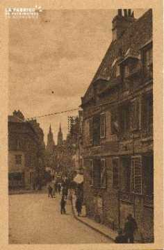 Cl 06 170 Caen-Place Malherbe, rue Ecuyère et la maison de Malherbe
