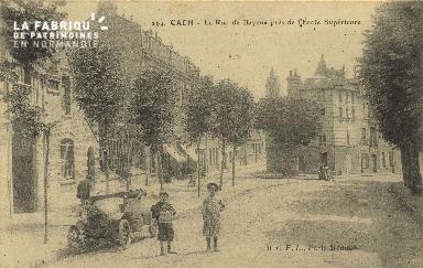 Cl 06 211 Caen-La rue de Bayeux près de l'école supérieur