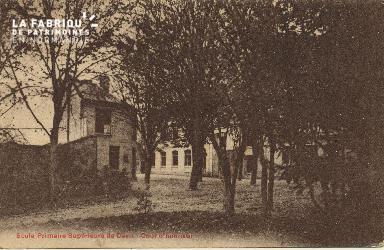 Cl 06 223 Caen-Ecole primaire supérieure de Caen-Cour d'honneur
