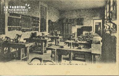 Cl 06 227 Caen-Atelier de menuiserie de l'école normale