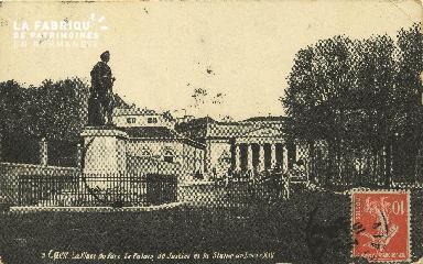 Cl 06 235 Caen-La place du parc-Le palais de justice et la statue de L