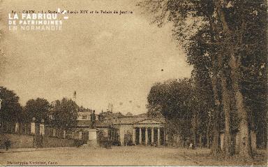 Cl 06 236 Caen-La statue de Louis XIV et le palais de justice