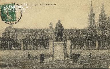 Cl 06 239 Caen-Le lycée-Statue de Louis XIV
