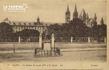 Cl 06 245 Caen-La statue de Louis XIV et le lycée