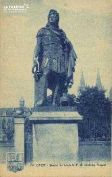 Cl 06 250 Caen-La statue de Louis XIV en costume de Romain