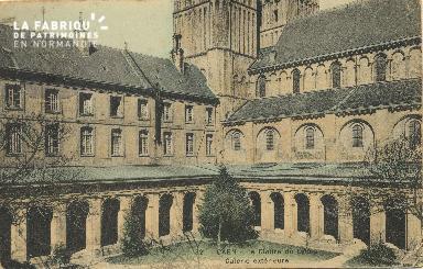 Cl 06 273 Caen-Le cloître du lycée-Galerie extérieure