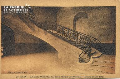 Cl 06 283 Caen-Le lycée Malherbe, ancienne abbaye aux hommes-Rampe en