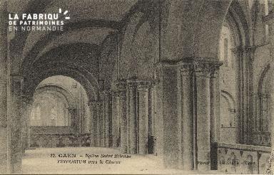 Cl 06 284 Caen-Eglise St Etienne-Triforium vers le Choeur