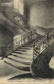 Cl 06 286 Caen-Le lycée Malherbe-Abbaye aux hommes-Le grand escalier d