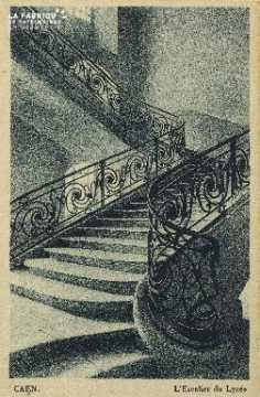 Cl 06 287 Caen-L'escalier du lycée