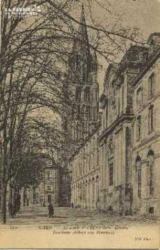 Cl 06 306 Caen le lycée et l'église St Etienne