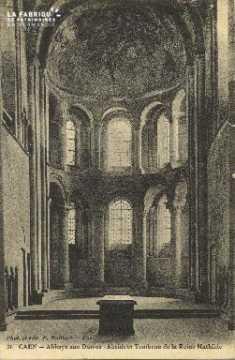 Cl 06 392 Caen-Abbaye aux dames-Abside et tombeau de la Reine Mathilde