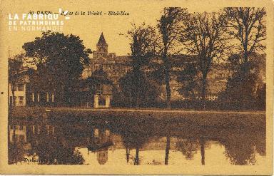 Cl 06 400 Caen-Eglise de la trinité-Hôtel dieu