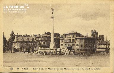 Cl 06 427 Caen-Place Foch et monument aux mort