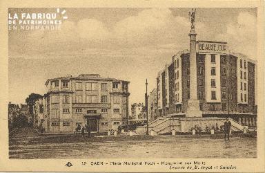 Cl 06 433 Caen-Place Maréchal Foch-Monument aux morts