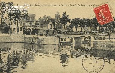 Cl 07 011 Caen la Mer - Bord du canal de l'Orne - Arrivée du Tramway à