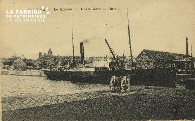Cl 07 092 Caen - Le Bateau du Havre dans le Bassin