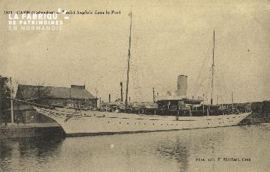 Cl 07 103 Caen - Yacht Anglais dans le Port
