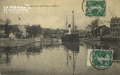 Cl 07 121 Caen - Entrée d'un navire dans le Bassin