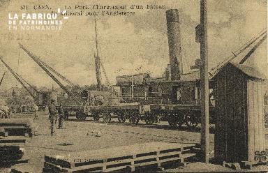 Cl 07 122 Caen - Le Port - Chargement d'un bateau de minirai pour l'An