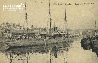 Cl 07 133 Caen - le Torpilleurs dans le Port
