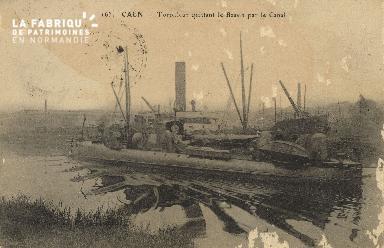 Cl 07 135 Caen - le Torpilleurs quittant le Bassin par le Canal