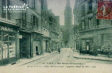 Cl 08 011 Caen rue Montoir Poissonnerie aux n°10 et 12 vieilles maison