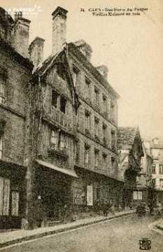 Cl 08 023 Caen rue Porte-au-Berger vieilles maisons en bois
