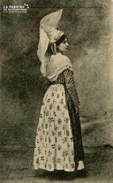 Cl 08 028 Caen Costume Normand provenant de la collection de M. Castey