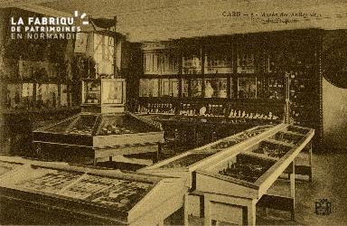 Cl 08 063Cl 08 059 Caen Musée des Antiquaires Salle du Trépied
